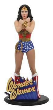 DC GALLERY LINDA CARTER WONDER WOMAN PVC STATUE