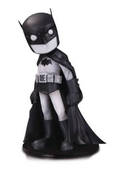 DC ARTISTS ALLEY BATMAN BY CHRIS UMINGA B&W VINYL FIG