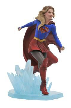 CW GALLERY SUPERGIRL PVC FIGURE